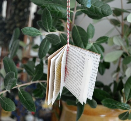 tutorial: tiny book ornament